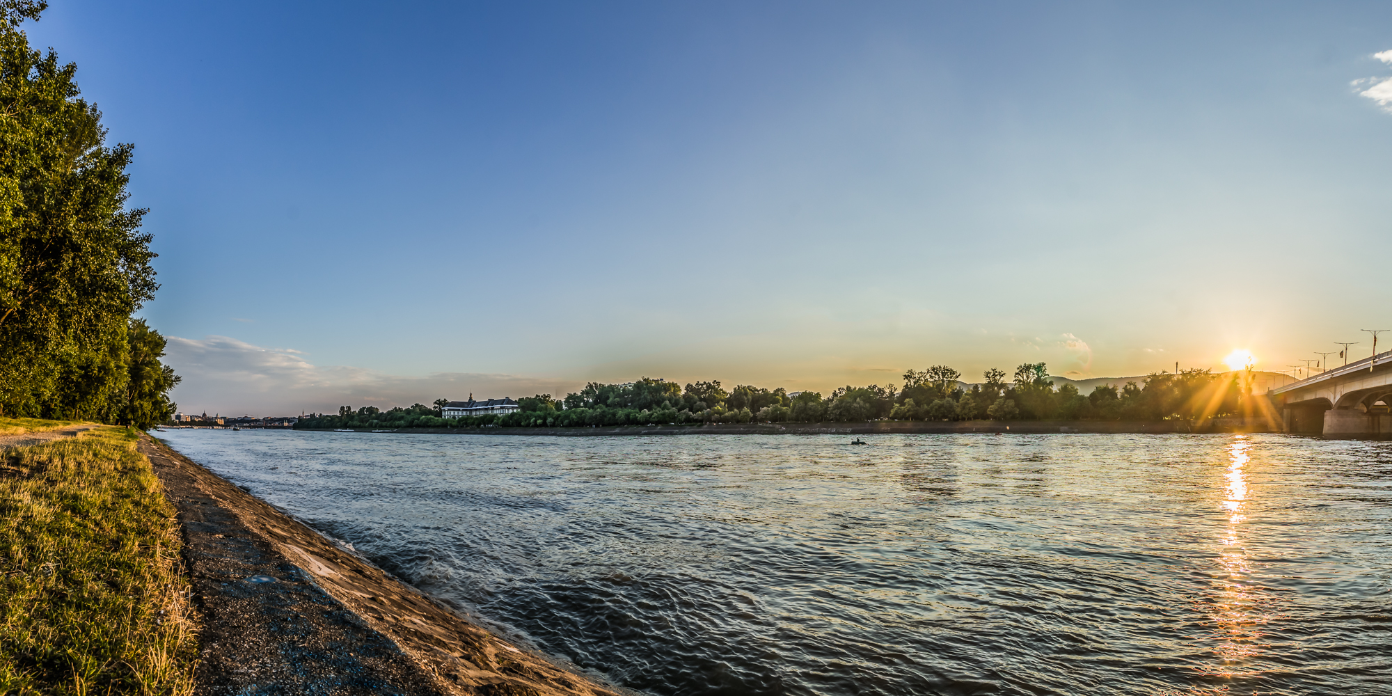 Margit-sziget és a közeli Duna part